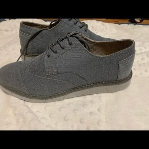 Toms dress shoe